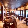 Taverna Plaka interior
