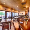 Taverna Plaka front room