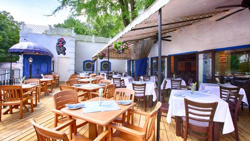 Taverna Plaka outside patio